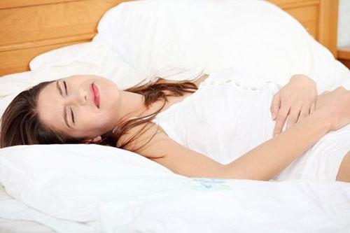 Đau bụng tập trung ở vùng chậu triệu chứng của ung thư tử cung