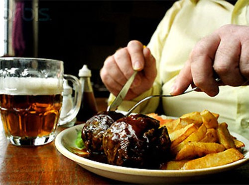 Bệnh máu nhiễm mỡ do ăn uống không điều độ