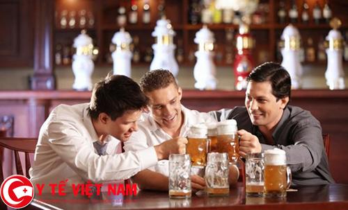 Rượu, bia đang tàn phá cơ thể bạn và ẩn chứa nhiều nguy cơ tiềm ẩn