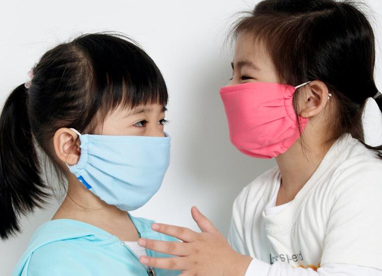 Tránh nơi tiếp xúc đông người cũng là cách phòng tránh viêm mũi họng cấp