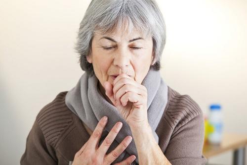 Thời tiết thay đổi làm cho người già mắc một số bệnh hô hấp
