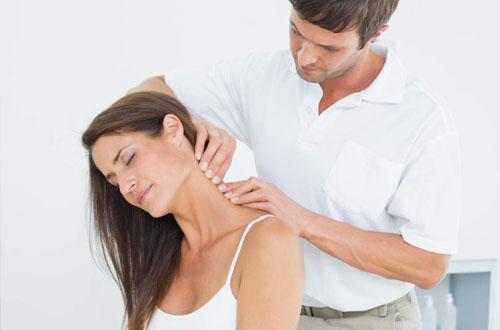 Dược sĩ mách bạn những dấu hiệu của bệnh đau vai gáy cấp
