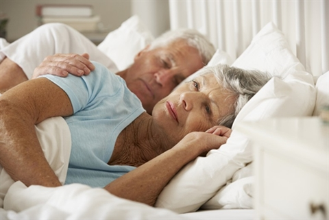 Thay đổi thói quen sinh hoạt cũng như ăn uống là một cách khiến cho giấc ngủ được cải thiện đáng kể
