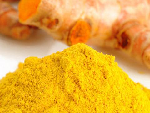 Nhiều người vẫn chuộng việc sử dụng bột nghệ để chữa viêm loét dạ dày