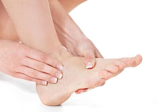 Cảnh giác những dấu hiệu sức khỏe từ bàn chân của bạn