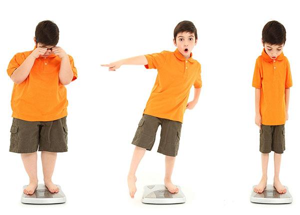 Trẻ em bị suy dinh dưỡng thường do nguyên nhân nào gây nên?