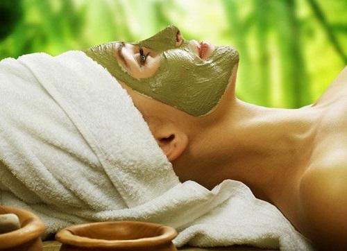 Sử dụng mặt nạ bơ thường xuyên sẽ giúp da căng mịn