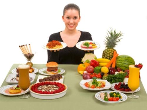 Bạn nên ăn nhiều đồ dinh dưỡng để chống hình thành sẹo từ bên trong