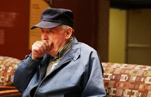 Phòng ngừa bệnh viêm phổi ở người già mùa đông
