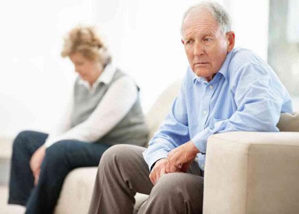 Những nguyên nhân về chứng suy nhược cơ thể ở người già là gì?
