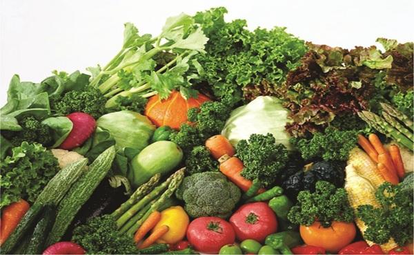 Người bệnh lupus ban đỏ nên ăn nhiều rau xanh và trái cây tươi