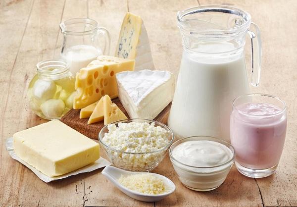 Các loại sữa và chế phẩm từ sữa tốt cho người bị loãng xương