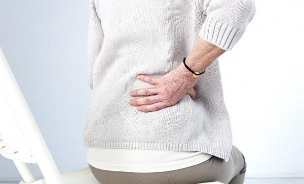 Bác sĩ tư vấn: Người bị loãng xương nên ăn gì?
