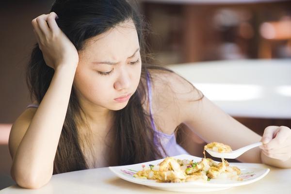 Bác sĩ tư vấn: Chán ăn là biểu hiện của bệnh gì?