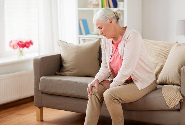 Triệu chứng của bệnh viêm khớp dạng thấp