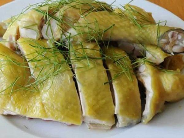 Người bệnh xương khớp không nên ăn thịt gà