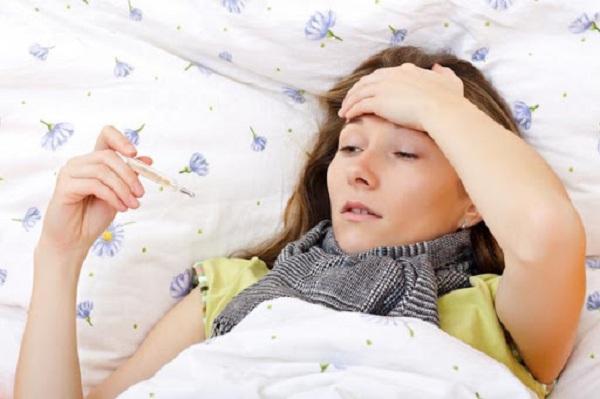 Chỉ bị ho và sốt có nên lo lắng bị nhiễm virus corona không?