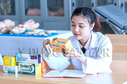 Dược sĩ hướng dẫn cách sử dụng thuốc an toàn